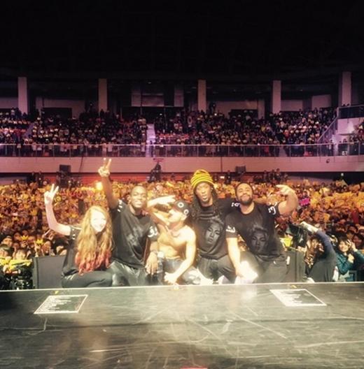 Taeyang khoe hình mừng concert thành công tốt đẹp ở Đài Loan