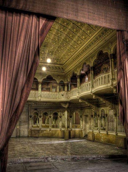 Một nhà hát ở Bỉ đã bị bỏ hoang trong suốt 25 năm qua.