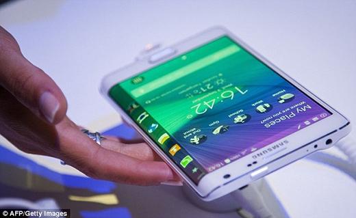 Samsung chê camera của iPhone 6 không bằng Galaxy S6