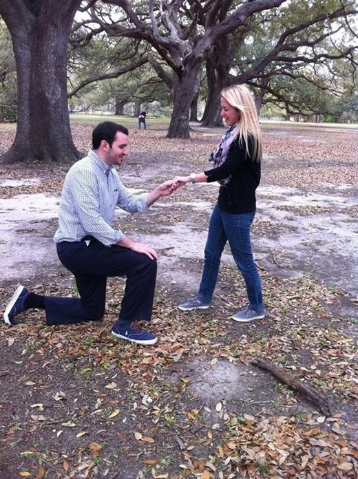 Lần sau có lẽ nên tìm chỗ cầu hôn nào khác được được hơn tý...