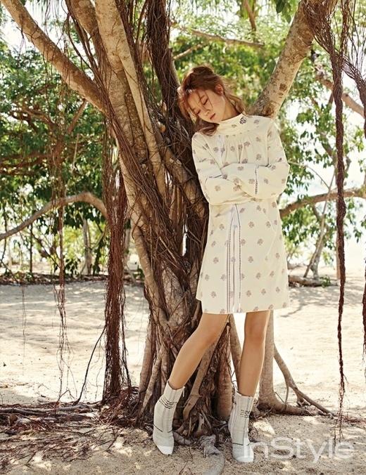 Gong Hyo Jin rạng ngời trong nắng vàng miền biển Nha Trang