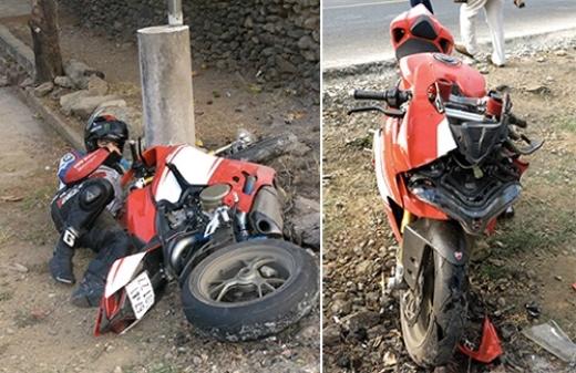 Anh Nguyễn Quốc Thành trong nhóm phượt được cho là để tránh gây tai nạn đã tự lách qua trái, tông vào cột bêtông bên đường. Ảnh: Dư Hải