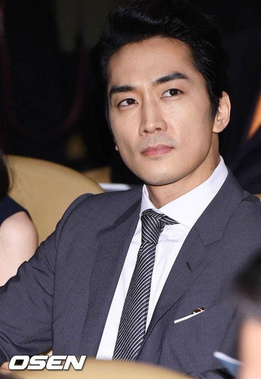 Song Seung Hun lịch lãm tham dự sự kiện