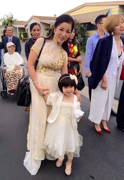 Thúy Nga hạnh phúc và bình yên bên con gái. - Tin sao Viet - Tin tuc sao Viet - Scandal sao Viet - Tin tuc cua Sao - Tin cua Sao