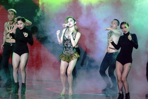 Tóc Tiên – Isaac tạo bão hit mới bằng vũ đạo độc - Tin sao Viet - Tin tuc sao Viet - Scandal sao Viet - Tin tuc cua Sao - Tin cua Sao