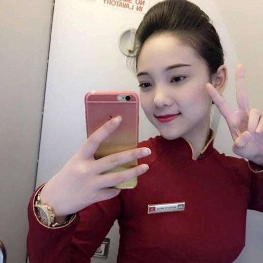 Tiếp viên hàng không 9x khiến dân mạng liêu xiêu vì ảnh chụp lén