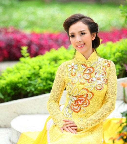 Hoa hậu hài xinh đẹp và dịu dàng