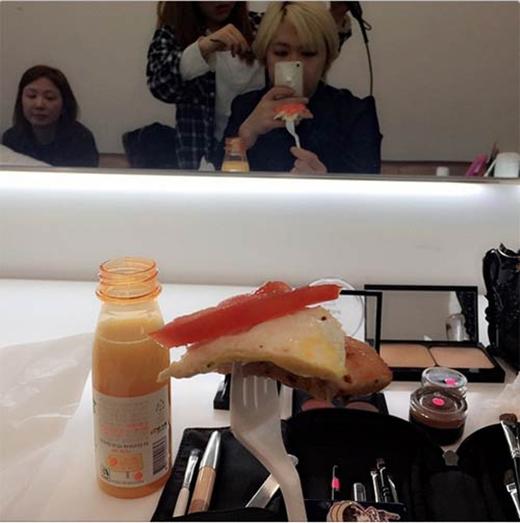 Lee Hong Ki khoe hinh đồ ăn sáng tặng fan