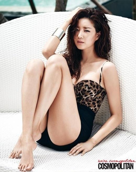 Ngất ngây với bộ ảnh tạp chí tuyệt đẹp của sao Hàn tại Việt Nam