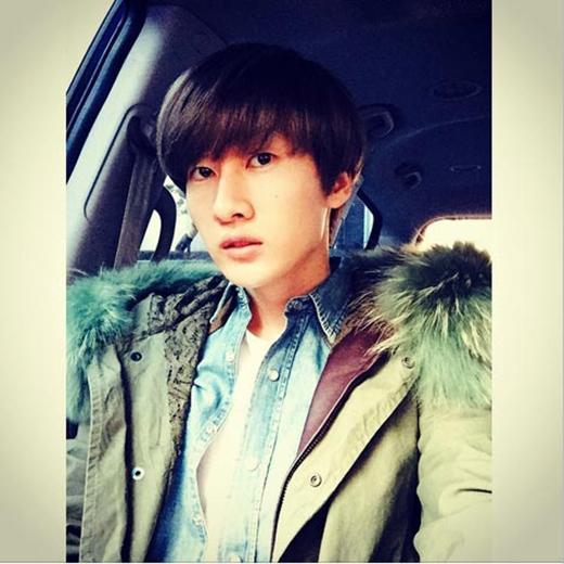 Eunhyuk khoe hình trên đường đến Music Bank với sự trở lại cùng Donghae