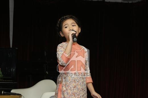 """Nguyễn Văn Chung """"nhắc nhở nhẹ"""" về tình mẹ - Tin sao Viet - Tin tuc sao Viet - Scandal sao Viet - Tin tuc cua Sao - Tin cua Sao"""