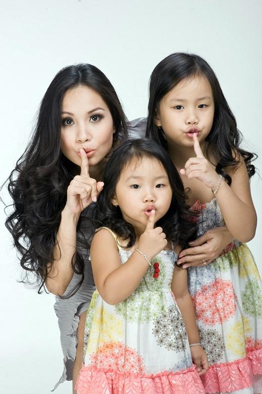 """Top những bà mẹ showbiz """"giỏi việc nước đảm việc nhà"""" - Tin sao Viet - Tin tuc sao Viet - Scandal sao Viet - Tin tuc cua Sao - Tin cua Sao"""