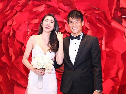 """Dù đã """"kề vai sát cánh"""" một khoảng thời gian dài nhưng vào tháng cuối năm 2014, cặp đôi được mệnh danh Vic – Beck của Việt Nam mới chính thức tổ chức hôn lễ. - Tin sao Viet - Tin tuc sao Viet - Scandal sao Viet - Tin tuc cua Sao - Tin cua Sao"""