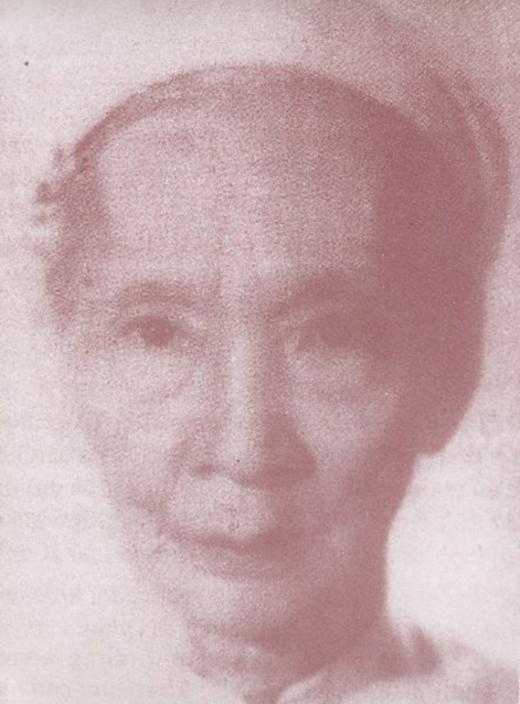 Một ảnh chụp khác của Vương phi Mai Thị Vàng, vợ yêu của vua Duy Tân lúc về già.