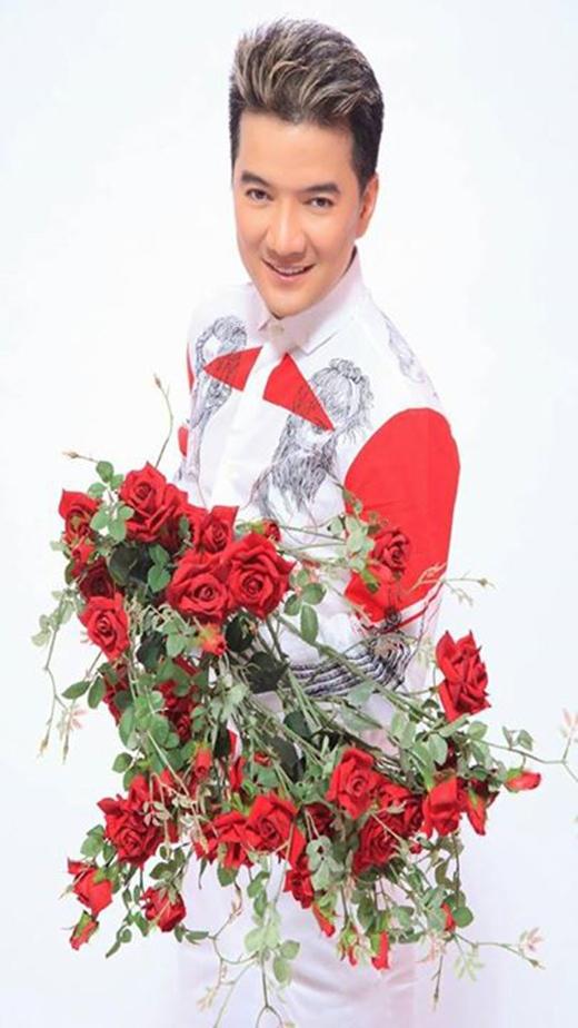 Đàm Vĩnh Hưng: 'Chúc tất cả phụ nữ trên thế giới này mãi xinh đẹp, luôn là bông hoa thơm trong vườn hoa ngát hương... Mừng 8/3...' - Tin sao Viet - Tin tuc sao Viet - Scandal sao Viet - Tin tuc cua Sao - Tin cua Sao