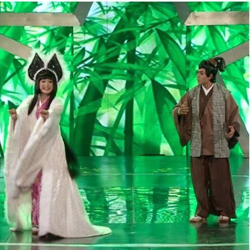 Cặp đôi Cẩm Ly - Đan Trường trong Chuồn chuồn giấy khiến khán giả không ngừng cổ vũ khi thể hiện vũ điệu cồng chiêng của Tóc Tiên trên sân khấu Got Talent.