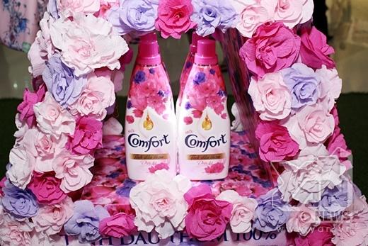 Bên cạnh đó, Comfort cũng chính thức ra mắt dòng sản phẩm Comfort tinh dầu thơm diệu kỳ mới lần đầu xuất hiện tại Việt Nam.