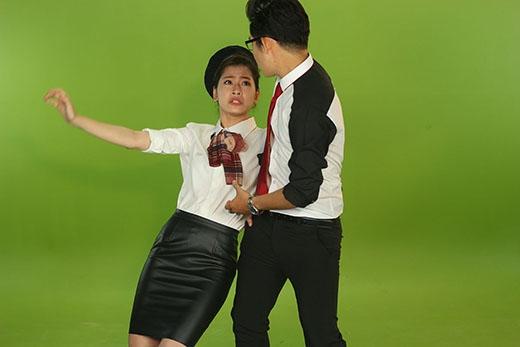 Chi Pu đã thể hiện thêm tài năng diễn xuất của cô nàng khi Quốc Bảo đưa vào tính huống nếu chuyến bay gập rắc rối.
