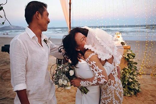và xúc động đã được ghi lại trọn vẹn trong ngày cưới. - Tin sao Viet - Tin tuc sao Viet - Scandal sao Viet - Tin tuc cua Sao - Tin cua Sao