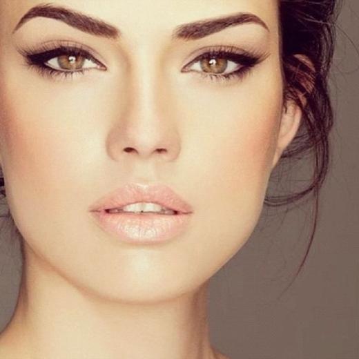 8 bước đơn giản cho bờ môi căng mọng quyến rũ