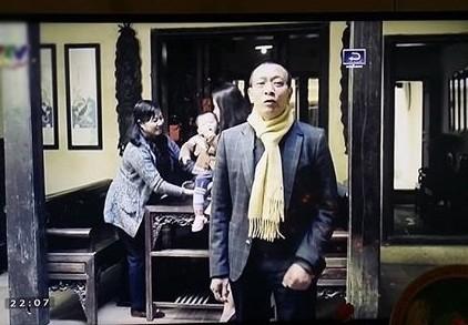 Hình ảnh giản dị của Lại Văn Sâm trong quá trình chờ ghi hình một chương trình cho Tết Ất Mùi. - Tin sao Viet - Tin tuc sao Viet - Scandal sao Viet - Tin tuc cua Sao - Tin cua Sao