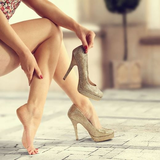 Mẹo nhỏ giúp bạn tránh các cơn đau chân từ giày cao gót