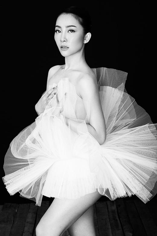 Bộ ảnh được thực hiện nhằm tôn vinh vẻ đẹp nữ tính và gợi cảm của người phụ nữ Việt. - Tin sao Viet - Tin tuc sao Viet - Scandal sao Viet - Tin tuc cua Sao - Tin cua Sao
