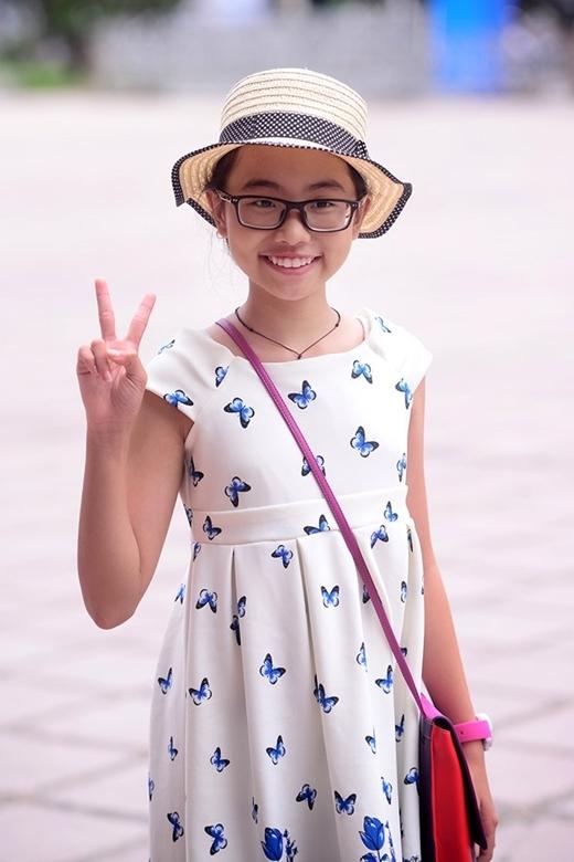 Có vẻ với một cô bé 12 tuổi lúc nào cũng hồn nhiên, vui vẻ, việc ghi nhớ và làm theo những quy tắc để giữ giọng như một ca sĩ chuyên nghiệp có phần khó hơn. - Tin sao Viet - Tin tuc sao Viet - Scandal sao Viet - Tin tuc cua Sao - Tin cua Sao