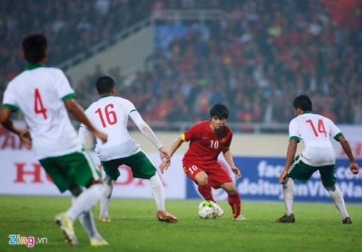 Công Phượng là cầu thủ duy nhất trong đội hình Olympic Việt Nam được HLV Miura cho phép đi bóng và xử lý bóng nhiều chạm.