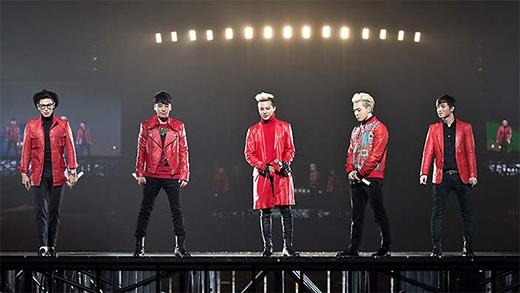Các fan mòn mỏi chơ 5 chàng trai quay lại sân khấu