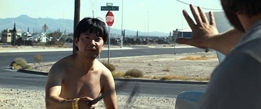 Sao phim Hangover ca ngợi người vợ gốc Việt chiến thắng ung thư