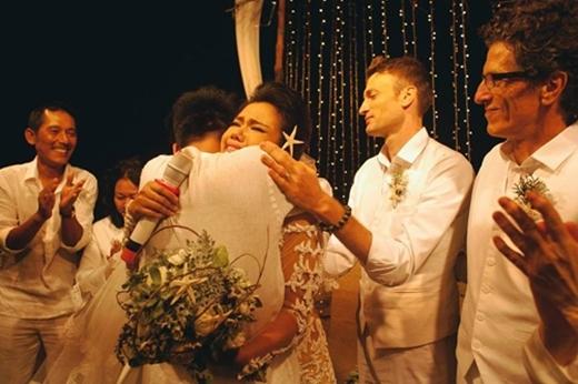 Đã có rất nhiều nước mắt rơi trong đám cưới của Phương Vy. - Tin sao Viet - Tin tuc sao Viet - Scandal sao Viet - Tin tuc cua Sao - Tin cua Sao