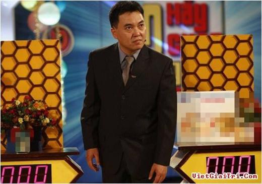 Lưu Minh Vũ từng đảm nhận vai trò MC Olympia vào các năm 2000, 2002 và 2003. Nhưng nhắc đến Lưu Minh Vũ, khán giả sẽ nhớ đến anh nhiều hơn với chương trình Hãy chọn giá đúng bởi sự hài hước, lôi cuốn khán giả vào từng trò chơi. - Tin sao Viet - Tin tuc sao Viet - Scandal sao Viet - Tin tuc cua Sao - Tin cua Sao