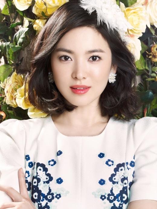 """Dường như Song Hye Kyo được ưu ái khá nhiều khi ngoài vẻ đẹp tự nhiên """"không tỳ vết"""", cô nàng còn sở hữu làn môi quyến rũ """"chết người""""."""
