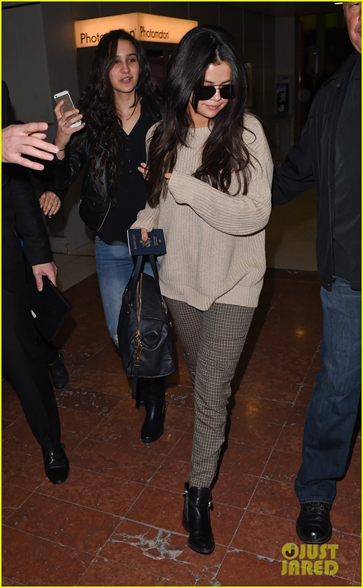 """Selena Gomez """"hoàn hảo"""" trong mắt người yêu tin đồn"""