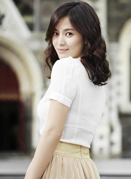 Song Hye Kyo trở lại màn ảnh nhỏ cùng trai đẹp Song Joong Ki?