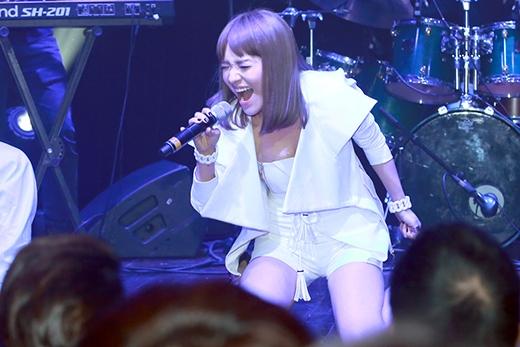 Nhật Thủy không quên gửi đến những ca khúc mới trong album của mình.