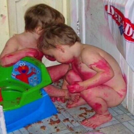 Loạt ảnh cho thấy trẻ con vừa đáng yêu vừa đáng sợ