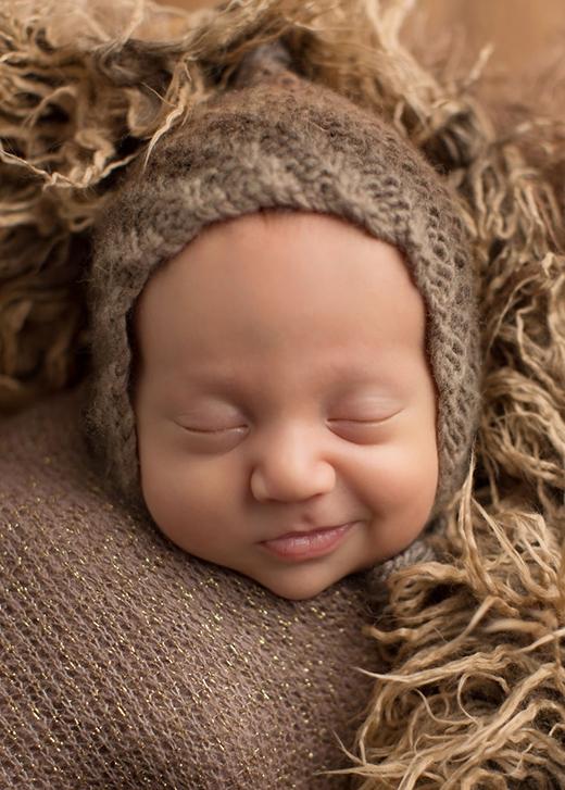 Tan chảy với loạt biểu cảm của trẻ sơ sinh cực đáng yêu