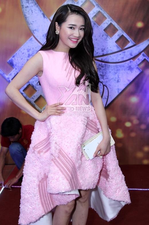 Nhã Phương dịu dàng với váy hồng - Tin sao Viet - Tin tuc sao Viet - Scandal sao Viet - Tin tuc cua Sao - Tin cua Sao