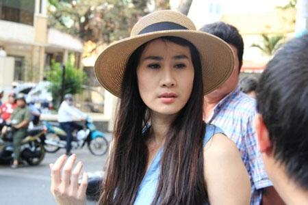 Người đẹp Thân Thúy Hà tại hiện trường - Tin sao Viet - Tin tuc sao Viet - Scandal sao Viet - Tin tuc cua Sao - Tin cua Sao