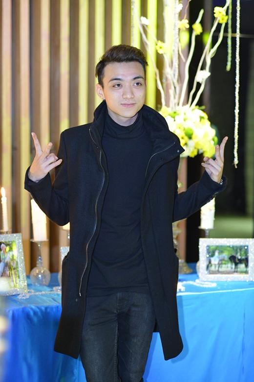 Nam ca sĩ Soobin Hoàng Sơn.