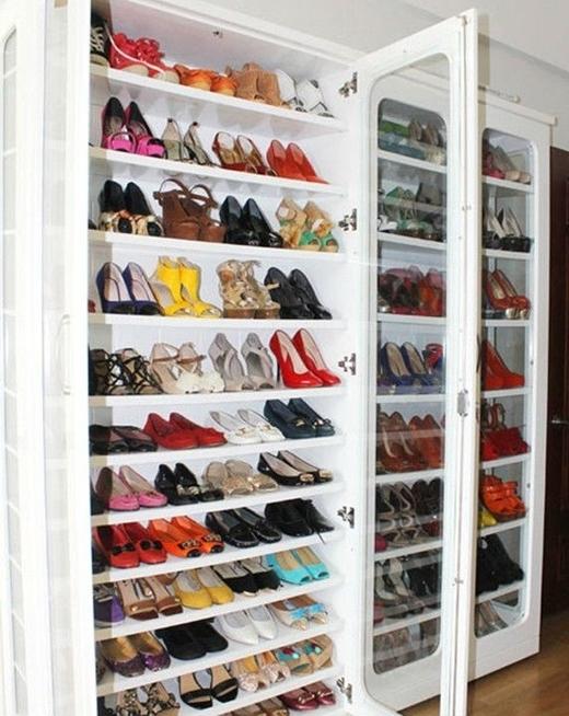Cô nàng cho biết mình từng sắm 6 đôi giày giống nhau, chỉ khác màu để thay đổi. - Tin sao Viet - Tin tuc sao Viet - Scandal sao Viet - Tin tuc cua Sao - Tin cua Sao