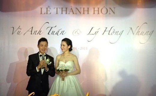 MC Anh Tuấn: Sau 4 năm yêu nhau, đầu năm 2013, đám cưới của MC chương trình Trò chơi âm nhạc Anh Tuấn và cô dâu Lý Hồng Nhung được tổ chức tại Hà Nội. - Tin sao Viet - Tin tuc sao Viet - Scandal sao Viet - Tin tuc cua Sao - Tin cua Sao