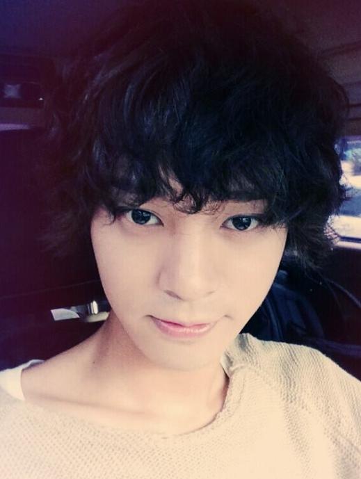 Nhan sắc của Jung Junyoung trước và sau khi ra mắt dường như không có gì thay đổi, vẫn vẻ ngoài điển trai và có phần bad boy đã thu hút lượng fan ngày càng đông đảo.