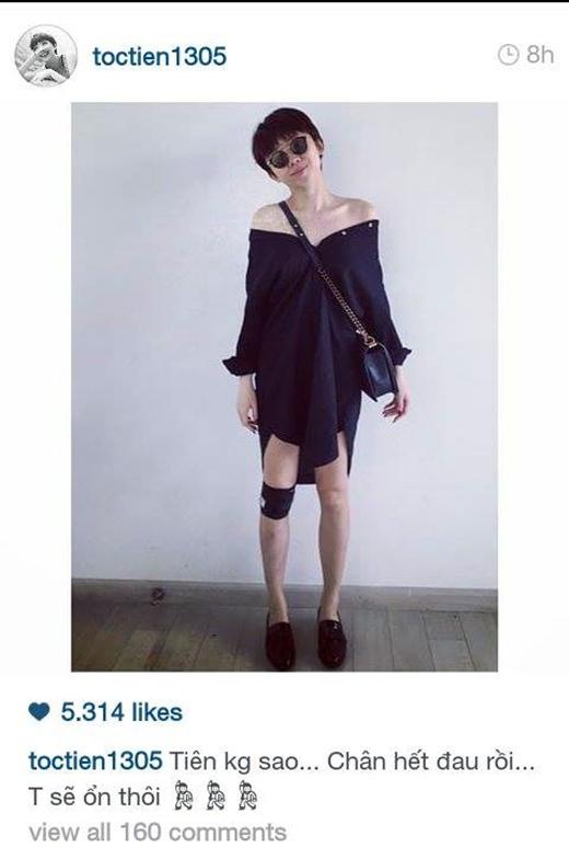 Tóc Tiên đăng tải dòng trạng thái tỏ ra mình 'ổn' để trấn an tinh thần các fan. Mặc dù chân vẫn còn băng bó nhưng cô nàng vẫn rất sành điệu về thời trang khi biết tận dụng mảnh vải băng bó màu đen để làm nó phù hợp hơn với bộ trang phục sexy mà mình đang mặc.