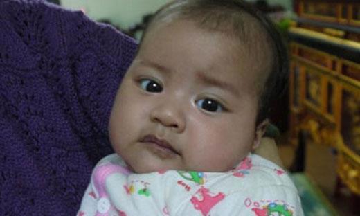 Thực hư đằng sau việc bé gái Hà Nội biết nói lúc một tháng tuổi