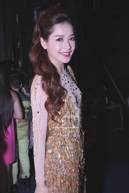 Chi Pu, Angela Phương Trinh cười rạng rỡ trước giờ G - Tin sao Viet - Tin tuc sao Viet - Scandal sao Viet - Tin tuc cua Sao - Tin cua Sao