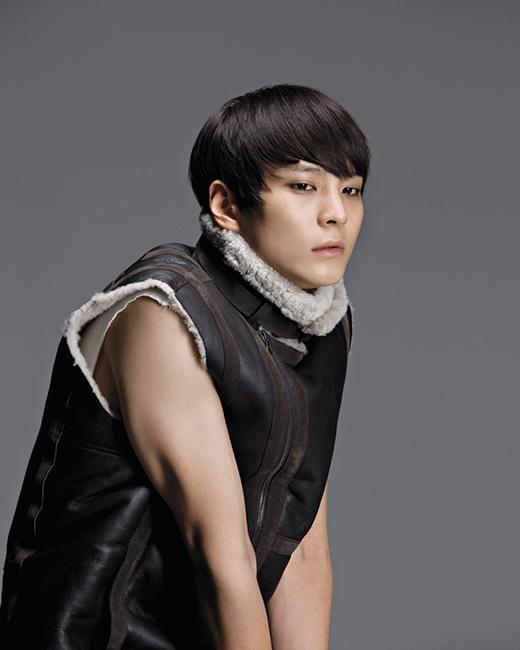 Khi nam thần xứ Hàn là thành viên trong nhóm nhạc Kpop