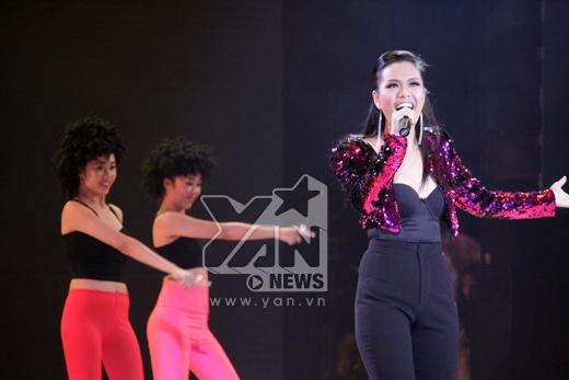 Phần trình diễn sôi động của khách mời Phương Vy - Tin sao Viet - Tin tuc sao Viet - Scandal sao Viet - Tin tuc cua Sao - Tin cua Sao